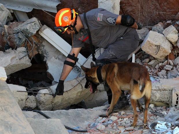 Desabamento em Diadema Bombeiros encontram corpo de vítima Portal Ajduks Noticias