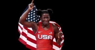 'É só pela graça de Deus', diz lutadora após conquistar medalha de ouro em Tóquio